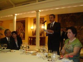 Pres Zapatero.JPG_595