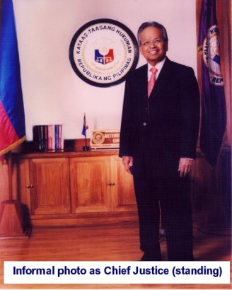 informal-photo-as-chief-justice-standing
