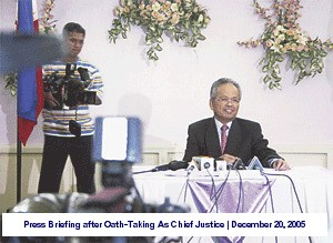 press-briefing-after-hailed-as-21st-chief-justice-of-the-philippines-december-20-2005